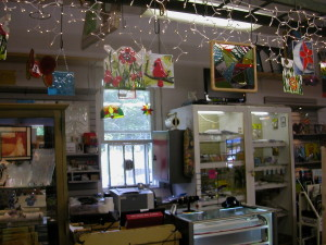 gift shop and finish goods 024