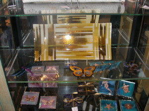 gift shop and finish goods 026