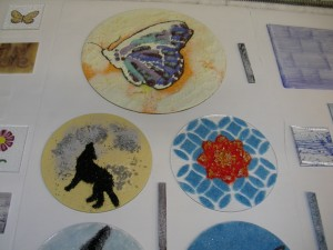 kiln pictures (night lights powder plates) 019