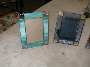 suncatchers and pictures frames 012