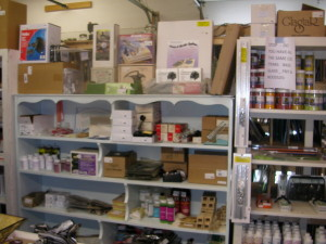 gift shop and finish goods 037