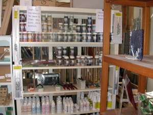 gift shop and finish goods 038