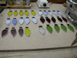 stained glass ornamnets, bowls, vases and sushi dishes 022